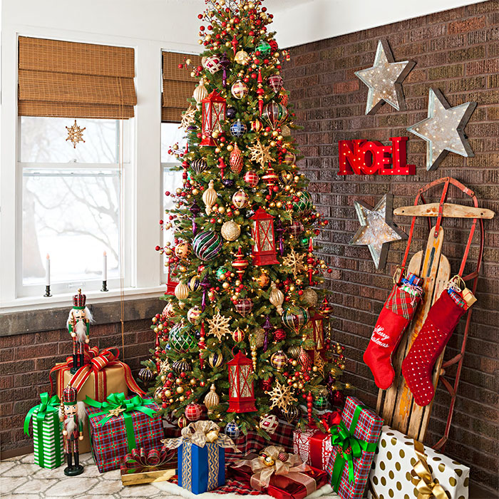 Decoration Of Christmas Tree With Diffe Types Allaboutchristmas