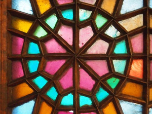 Wood, Glass, Geometry – Stained Glass in Iran and Azerbaijan