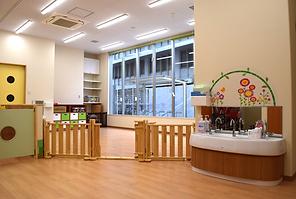 ふくろう保育園施設1.png