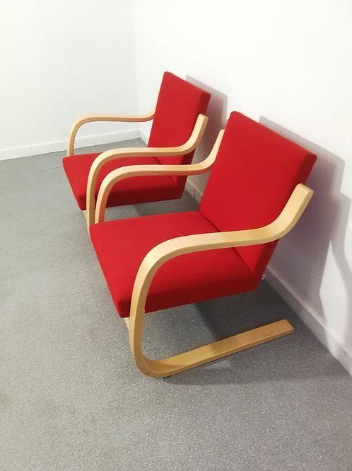 Paire de chauffeuses Alvar Aalto