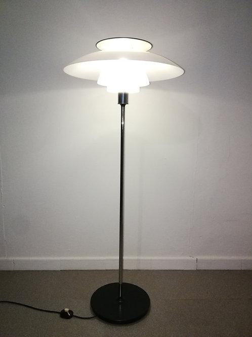 Lampe sur pied Louis Poulsen