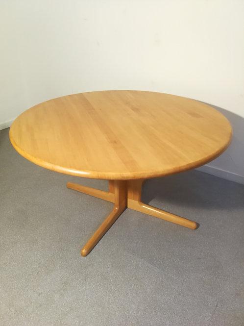 Table à manger Niels Moller