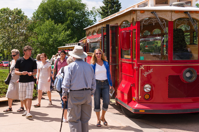 Trolley Tour of Lakewood's History, Art & Gardens