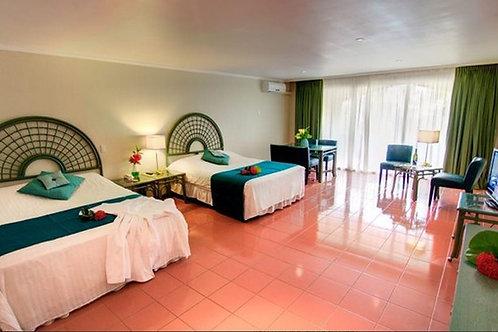 Jr. Suite Laguna View/Shore Diver/Share a room