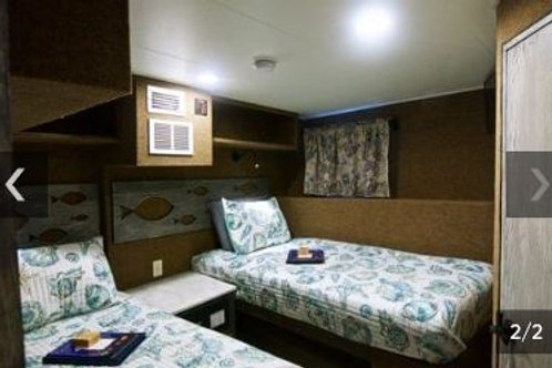 Deluxe Stateroom/Diver/Share a Room
