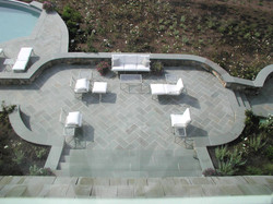 Patio with Seatwalls
