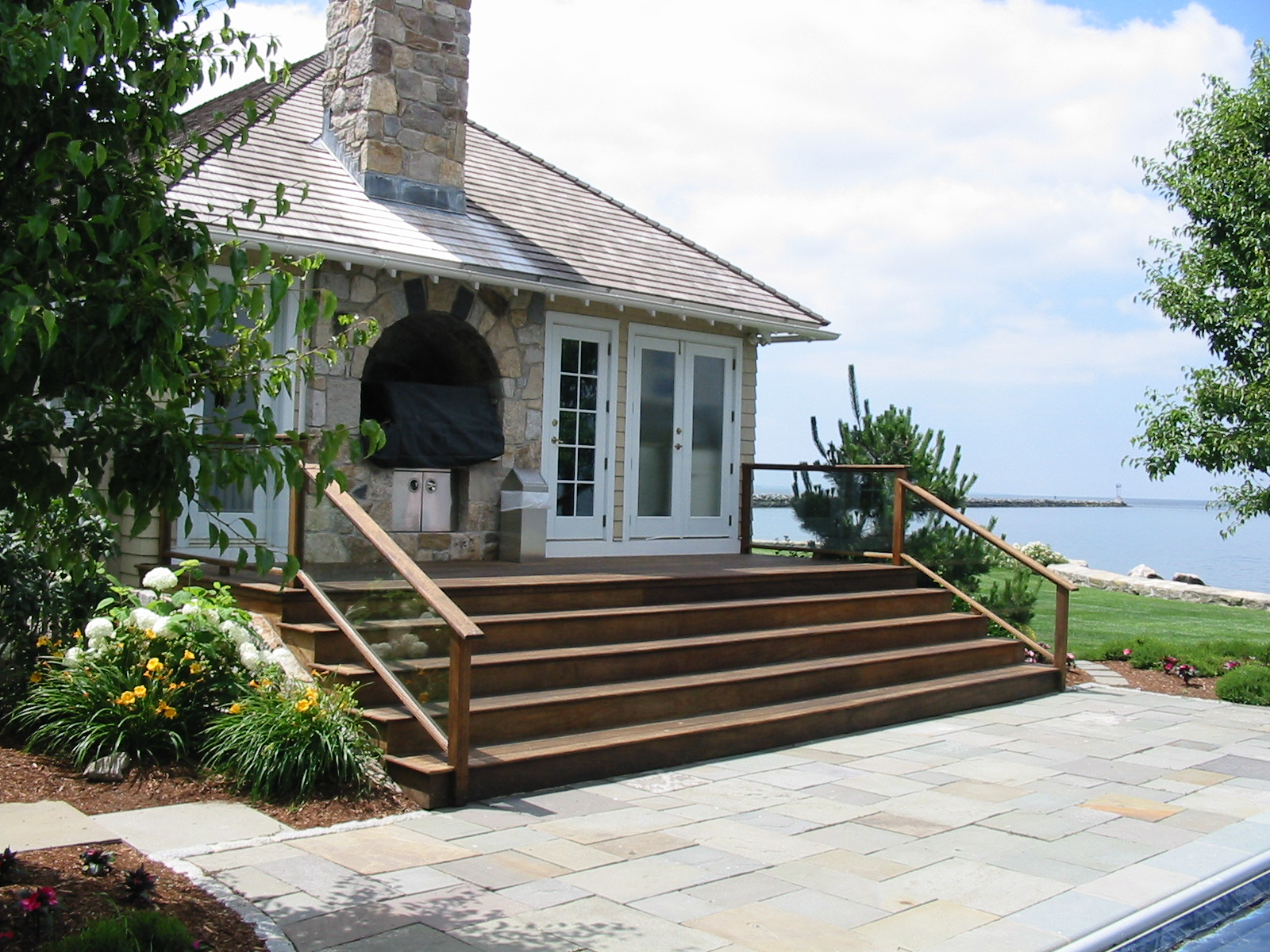 Grand Poolhouse steps