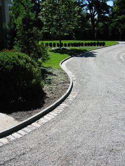 Bluestone Curb with Cobblestone