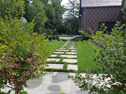 Bluestone With Lawn Joints