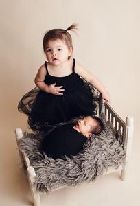 newborn photography, newborn photos, newborn pictures, newborn family pictures