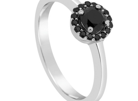 What is a black diamond? Do black diamond rings exist?