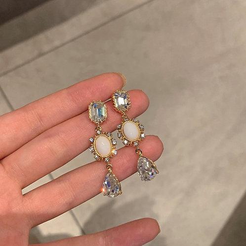 MENGJIQIAO Korean Vintage Elegant Waterdrop Crystal Dangle Earrings