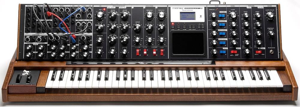 Moog: Minimoog Voyager XL