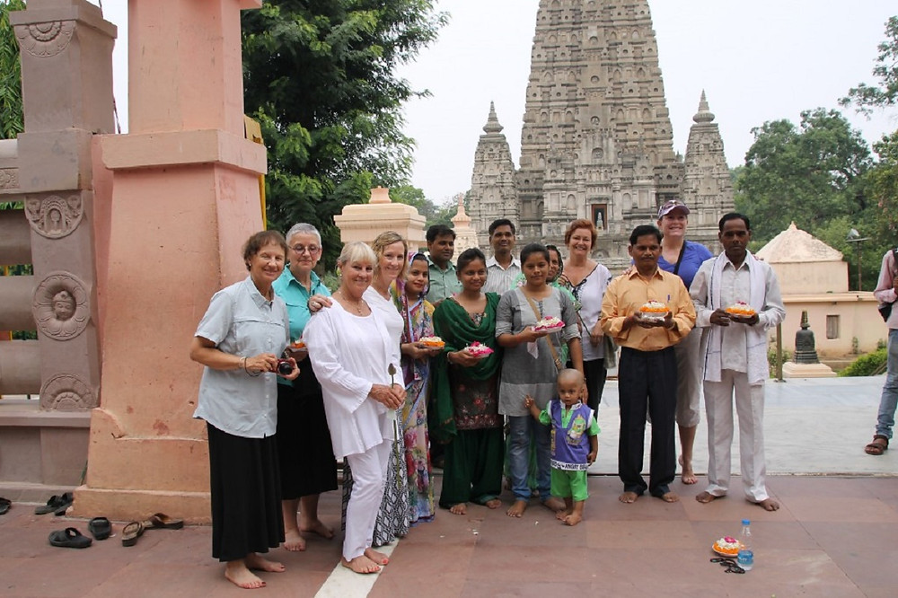 Mystical Mamas with new friends at Mahabodhi Temple in Bodh Gaya