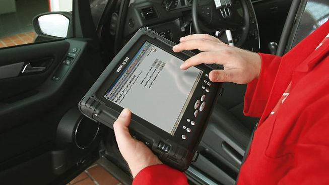 auto-equipment-diagnosi-auto-light.jpg