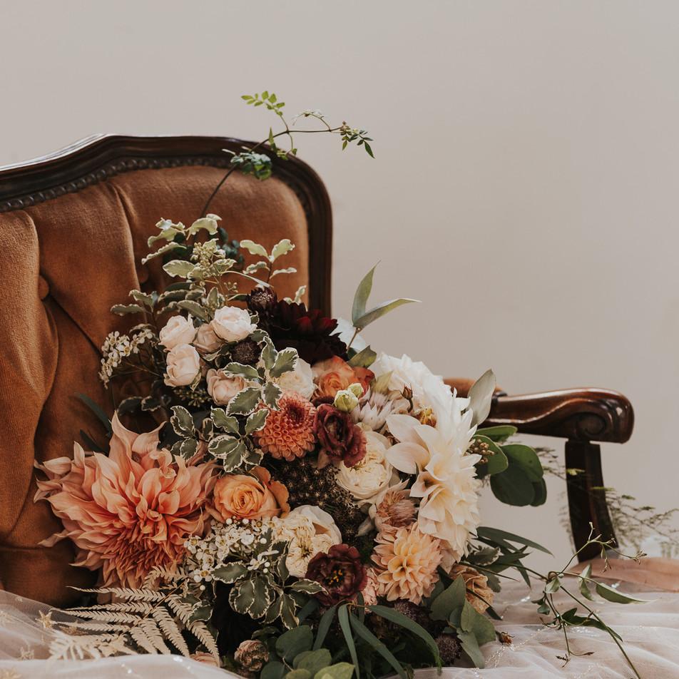 Fleur de T bridal bouquet shot