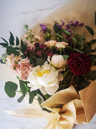 Fleur de T. Medium Seasonal Bouquet
