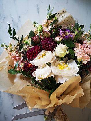 Fleur de T. Luxury Seasonal Bouquet