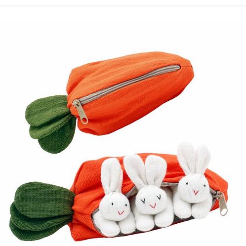 HICKUPS: 3 lapins dans une carotte
