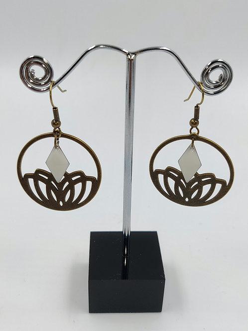 By Cilou : Boucles d'oreilles bronze et blanc