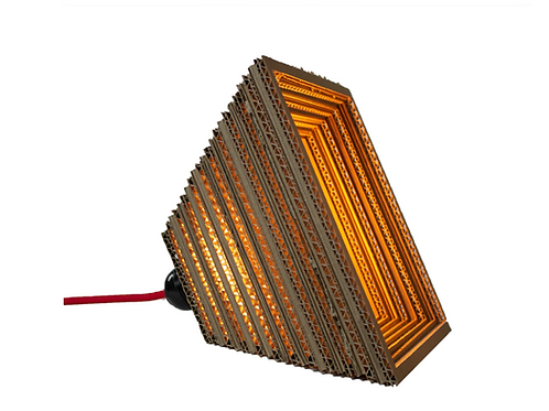 KARTENT: Lampe Stavern en carton