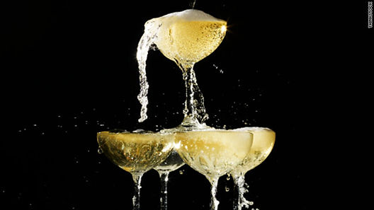 t1larg.champagne.pyramid.ts.jpg