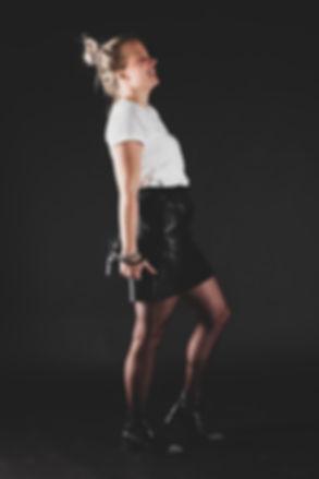 Wat een ontzettend mooie portret mocht ik maken van deze dame tijdens een beautyshoot in de fotostudio. Wil jij ook zo'n beauty shoot boeken? Neem dan contact op via het contactformulier; https://www.studio86.nl/contact  Laughing blond girl with red lipstick. Fun in the photostudio, studio86. Wanne be a model and update your portfolio? This photographer can help u with that.