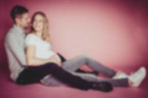 Tijdens een fotoshoot bij Studio86 kan je ervoor kiezen om een roze achtergrond te gebruiken. Leuk als je in verwachting bent van een meisje.  During a photoshoot in my photo studio you can choose a pink background. If your pregnant and it's gonna be a baby girl, u can use this pink setting.