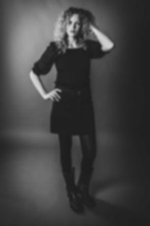 Wil jij jouw portfolio uitbreiden met een professionele fotoshoot? Dit model heeft haar portretfoto voor haar portfolio laten maken bij professionele fotografe Nikki Hoff uit Alphen aan den Rijn. Dit is een zwart/wit foto van een model.