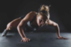 Ben jij ook een #fitgirl en wil je dit graag op een toffe manier laten vastleggen tijdens een fitness shoot waarbij jouw spieren zo worden geaccentueerd door het licht dat je ze mega goed ziet? Studio86 bied nu ook fitness fotografie aan!