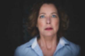 Wil jij een fotoshoot boeken voor casting? Nikki Hoff van Studio86 is de beste castingfotograaf in Nederland. Op deze portretfoto zie je Lot Bobbink met een angstige uitstraling. Een close up portretfoto voor haar casting portfolio.