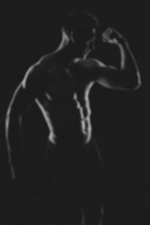 Ben jij een sportfanaat en wil je hier graag foto's van laten maken? Of jij nu aan fitness of crossfit doet of misschien wel heel iets anders, ik help jou hier een stoere foto van te maken tijdens een fitness fotoshoot.  Are you an athlete and do u want a nice picture of your muscled body? This is made by a professional photographer.