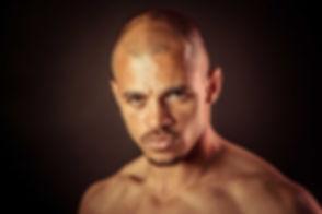 Close up portretfoto van man. Deze professionele portretfoto is gemaakt tijdens een fitness fotoshoot bij Studio86.  Headshot of a handsome man. Professional portrait photography.