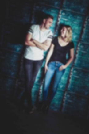 Stoer liefdes koppel. Een stoere portretfoto past wel bij dit verliefde stel. Wil jij ook met jouw partner een fotoshoot boeken? Boek nu jouw liefdes shoot bij Studio86.  A cool picture of a cool love couple. Picture made during a love photoshoot.