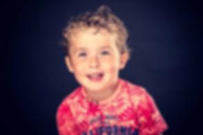 Wil jij een fotoshoot kind boeken of dit misschien cadeau geven aan iemand? Deze professionele kinderfoto is gemaakt in de beste fotostudio van Nederland, Studio86. Dus als jij een fotoshoot wilt boeken, is deze studio een aanrader! Wanna book a kids photoshoot or give this as a present to someone? This professional kids photo is made in the best photo studio of the Netherlands.