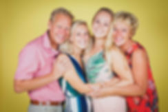 Spontaan familieportret laten maken?  Spontaneous family portrait.