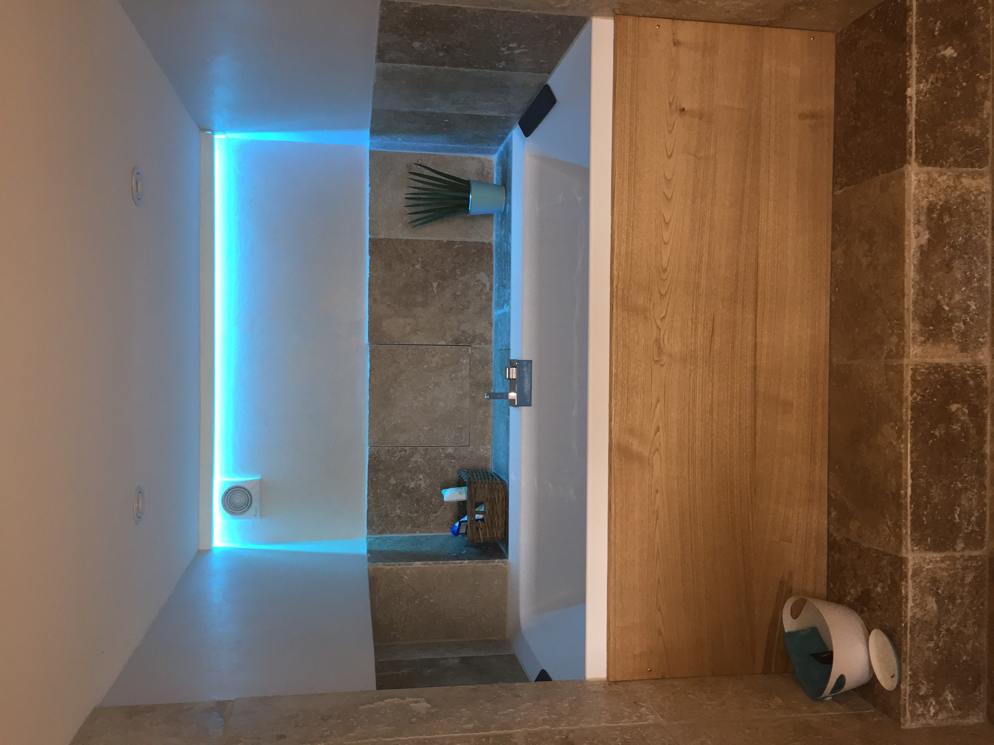 Bandeau led salle de bain parentale