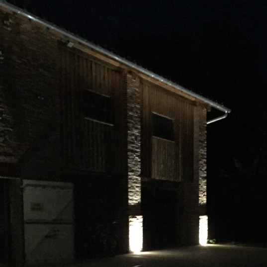 Eclairage extérieur et mise en valeur colonne à Corbarieu