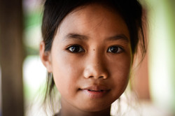 Bu Van, Local Lao Girl