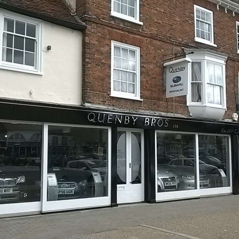 retail painters and decorators in Hertfordshire by www.oaktreeltd.co