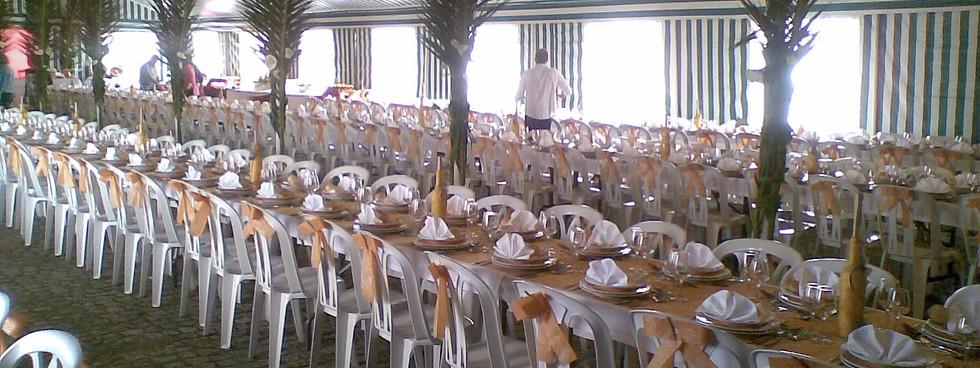 Cadeiras, Mesas e Atoalhados