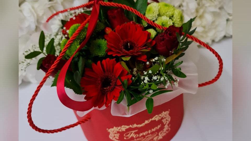 Blackpool Florist | Floral Hat Box| Valentines flowers