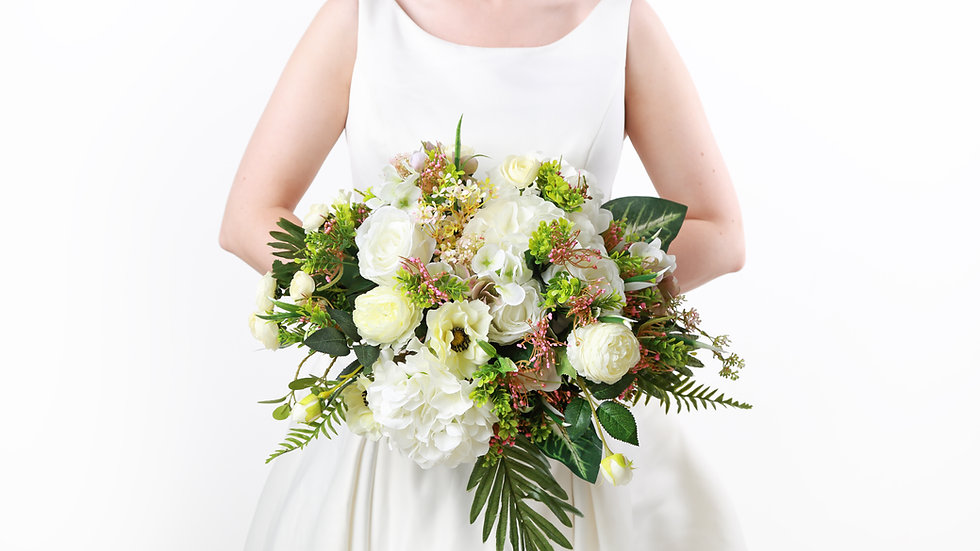 fake flowers at wedding  Fake Bouquet of flowers   Wedding Flowers