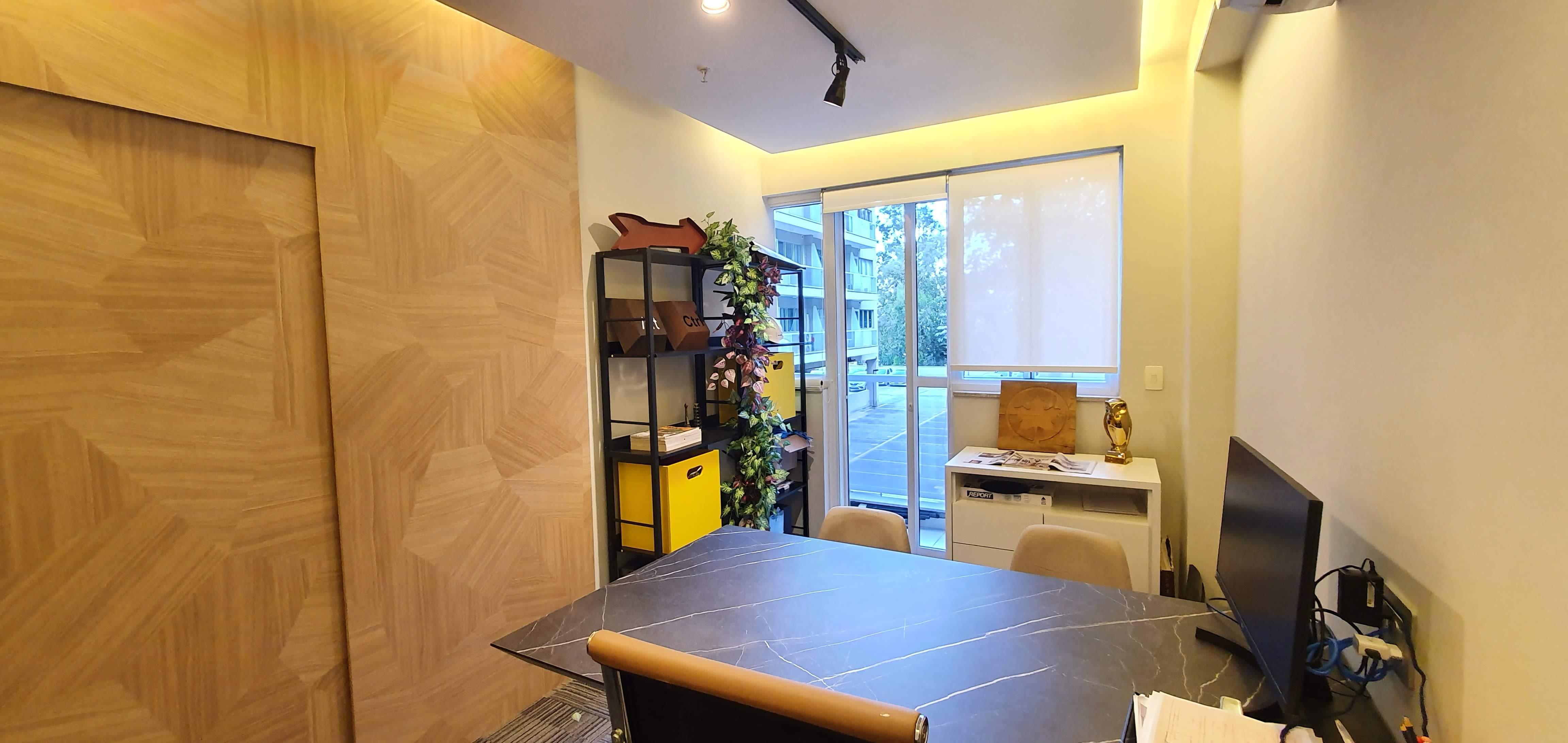 Sala de reunião para 3 pessoas
