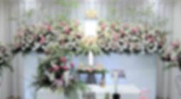 爽やかな花祭壇