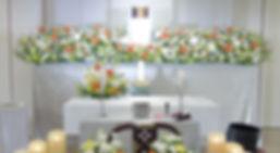 ナチュラルさをイメージした花祭壇
