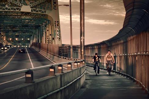 Cyclistes sur le Pont Jacques-Cartier