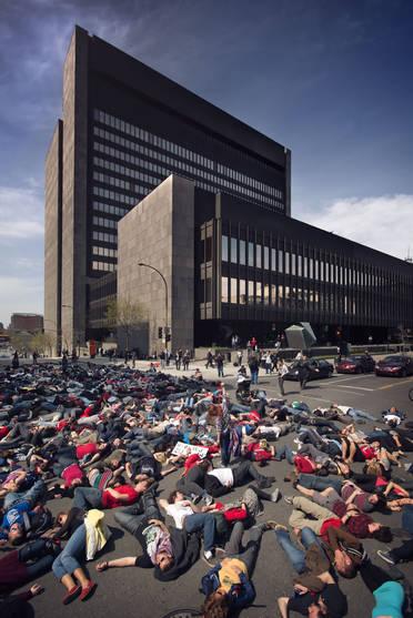Die-In devant le Palais de Justice