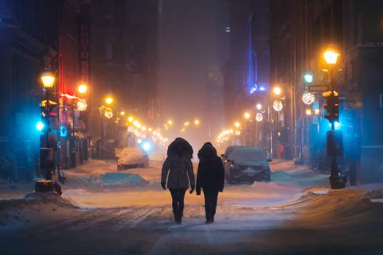 Pendant la tempête de neige, rue Sainte-Catherine