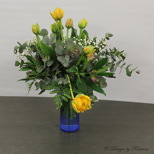 Hand-Tied Bouquet - Medium